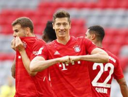 27场28球!拜仁巨星完成逆天通杀,甩梅西9球,冲击欧洲金靴奖!