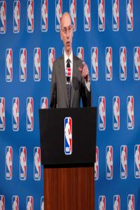 萧华担心垃圾话被播出,NBA或采用延时直播,米切尔我就要听